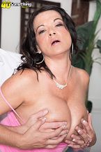 1990s big-tit star Betty Wobblers rides one time more!