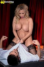 Busty Mom I'D LIKE TO FUCK lap dancer Amber Lynn suggests extras
